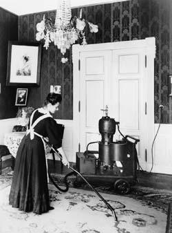 Первый электрический пылесос